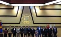 黄溪连大使共同主持第九次东盟与中日韩大使级会议