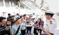美航母刚离开越南一个月澳护卫舰赴越南访问