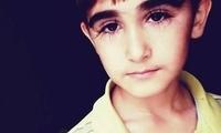 俄罗斯11岁小男孩因长睫毛走红