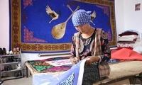 """砥砺奋进的五年:克孜布拉克村的""""小鸡银行"""""""