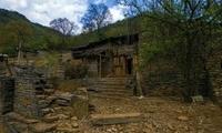 云南有一座神秘的壮族古村,用石头建房,出嫁女儿不能随意回娘家