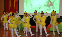 安全教育专家王大伟为新中街东棉花联盟幼儿园送书