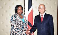 驻肯尼亚大使刘显法会见肯新任外长朱玛