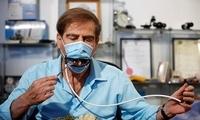 """为了用餐方便把口罩装上""""机械嘴""""国外这个发明太辣眼(图)"""