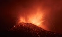 """全球连线 丨 火山仍在喷发!这个三毛曾""""流浪""""的西班牙小岛怎样了?"""